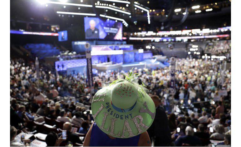 LO ÚLTIMO: Sanders: Clinton debe ser la próxima presidenta