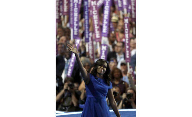 Michelle Obama pinta sombría imagen de Trump sin mencionarlo