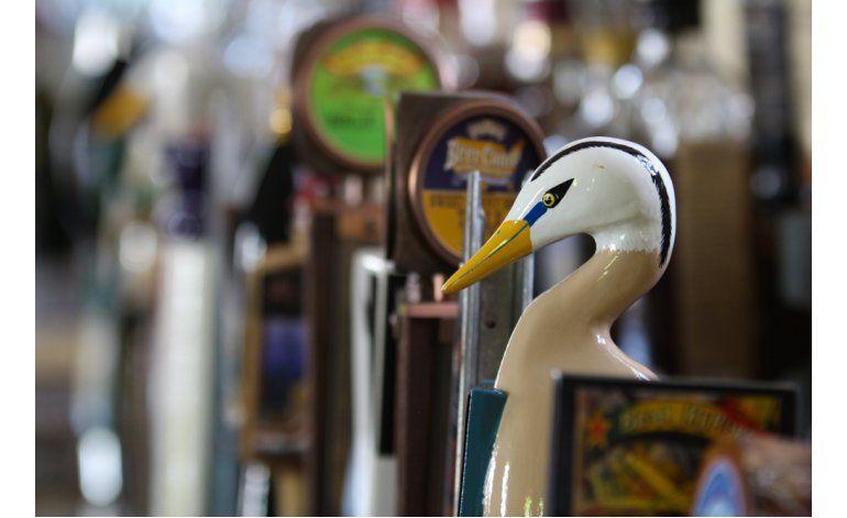 Las cerveceras artesanales llaman la atención con sus grifos