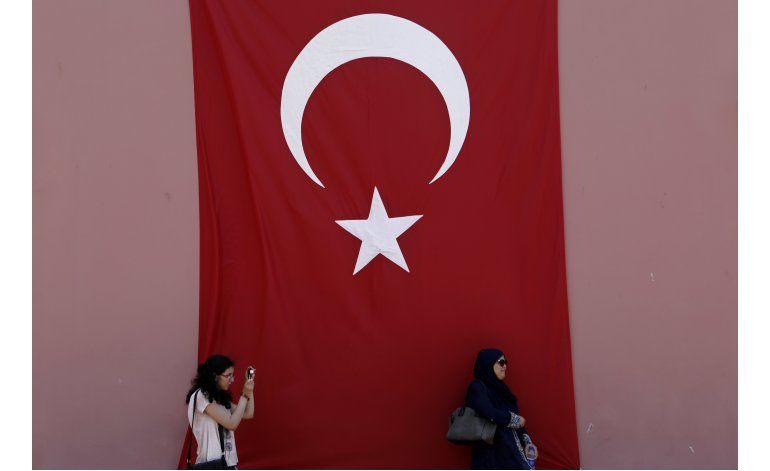 Líder opositor turco alerta contra posible cacería de brujas