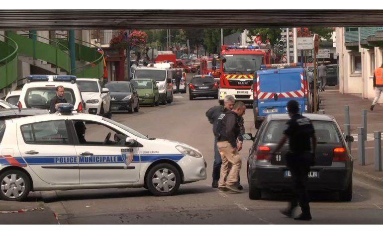 Estado Islámico se atribuye ataque en iglesia de Normandía