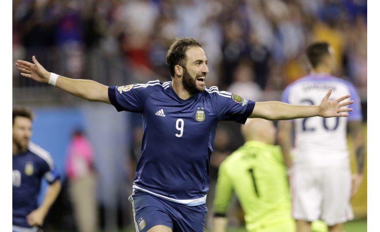 Juventus ficha a Higuaín por 90 millones de euros