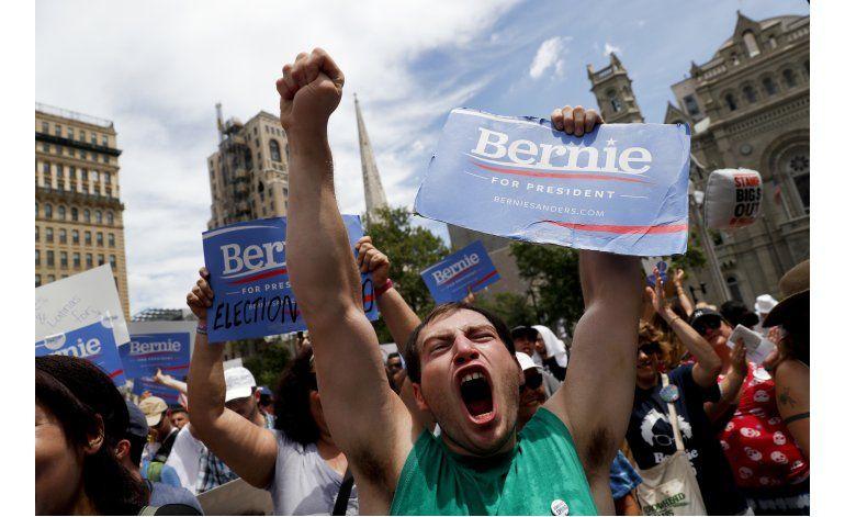 Partidarios de Sanders no ocultan su desencanto