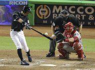 ichiro llega a los 2.997 hits, marlins blanquean a filis