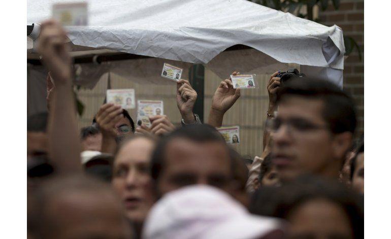 Venezuela: bloquean marcha opositora a favor del referendo