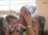 madre cubana pide ayuda para su pequena sin piernas