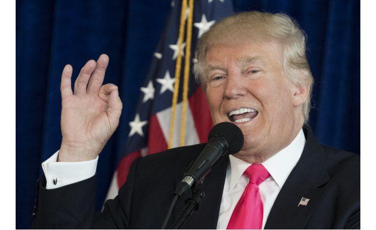 Trump pide a Rusia hallar y difundir emails de Clinton
