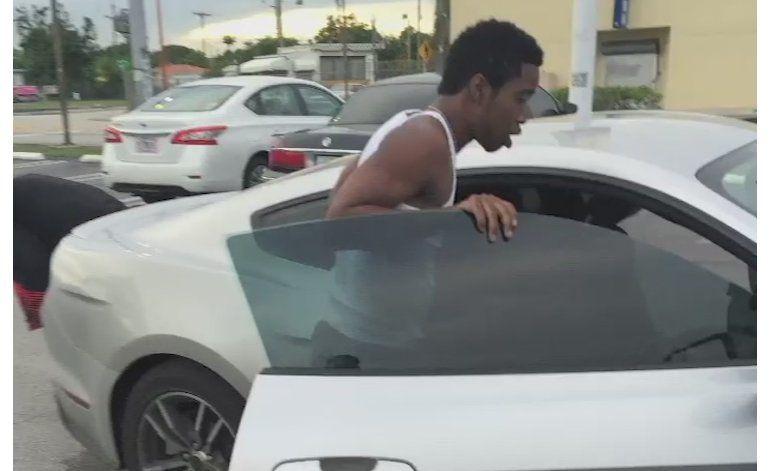 Policía de Miami busca  a grupo de ladrones que fingieron accidente para robar a su víctima
