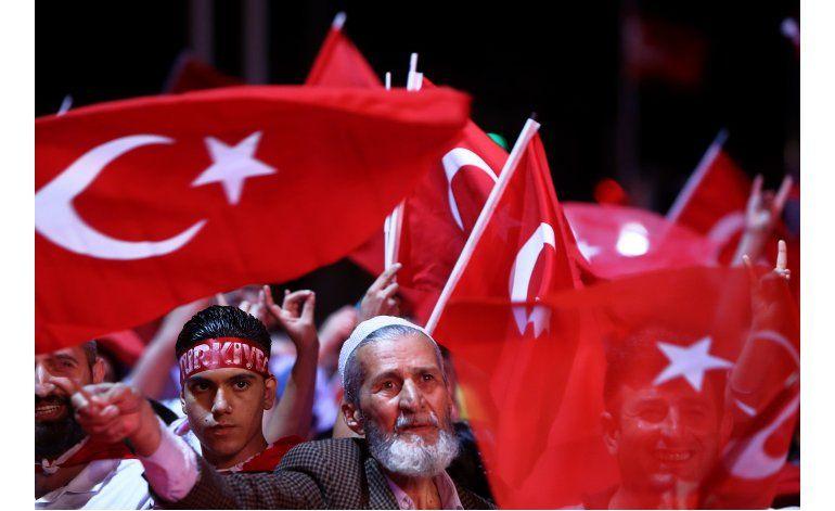 Ejército turco enfrenta reorganización tras intento de golpe
