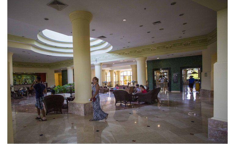 Una noche en primer hotel administrado por EEUU en Cuba