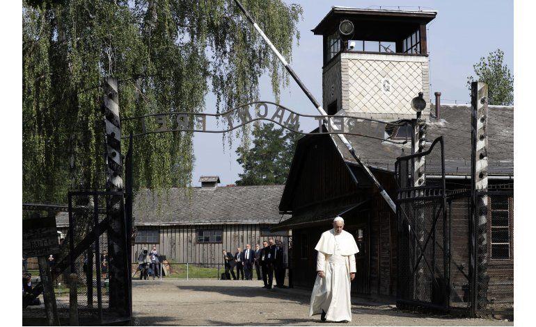 LO ULTIMO: El papa asiste a plegaria en campo de Auschwitz