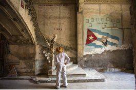 a los 90 anos, fidel castro es simbolo de la ortodoxia