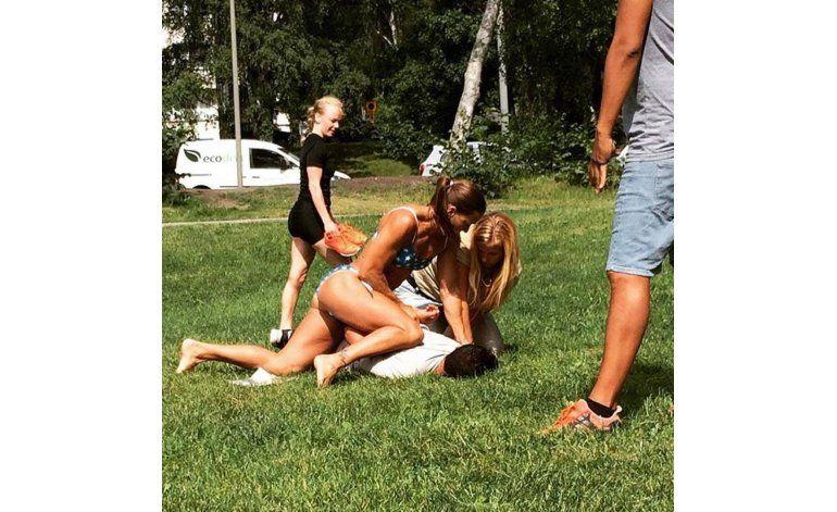 Mujer policía hace arresto en su día libre y en bikini