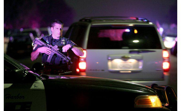 Balean a policías en San Diego y uno muere