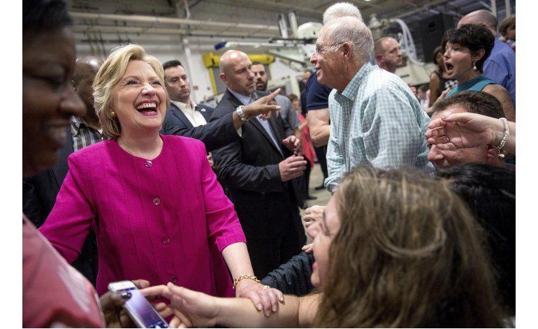 Piratas cibernéticos atacaron campaña de Clinton