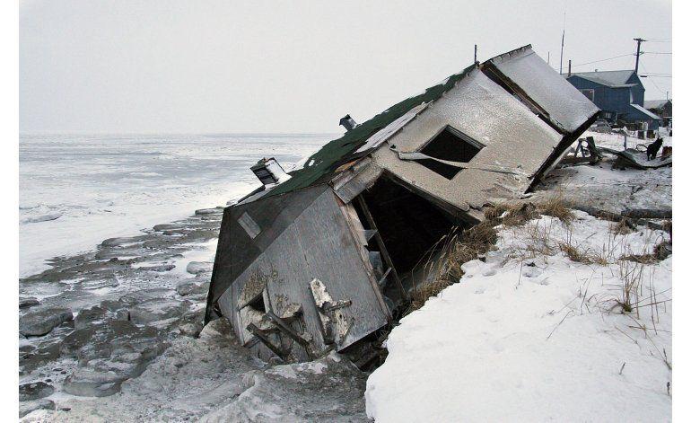 Una aldea de Alaska votará si abandona su erosionada isla