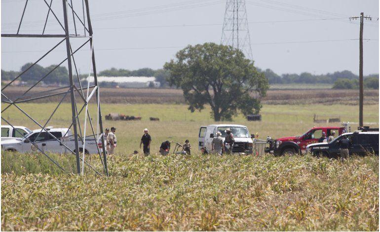 Globo con 16 personas a bordo se incendia y cae en Texas