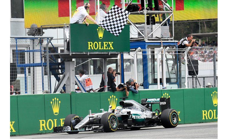 Hamilton consolida liderazgo de F1 al ganar en Alemania