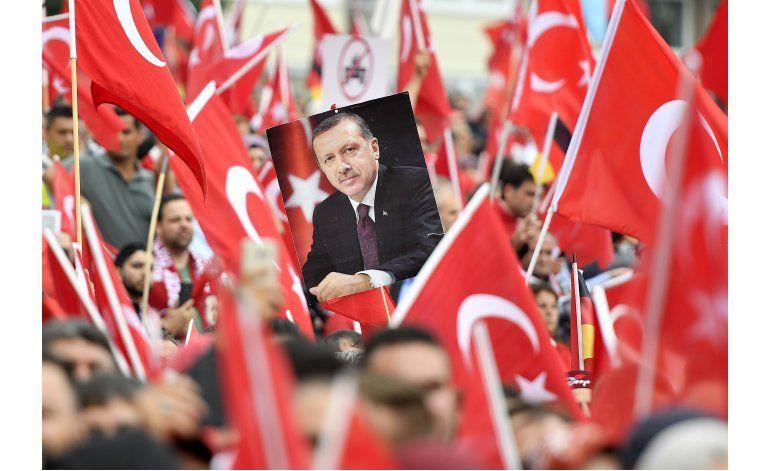 Protestan en Alemania contra fallido golpe en Turquía