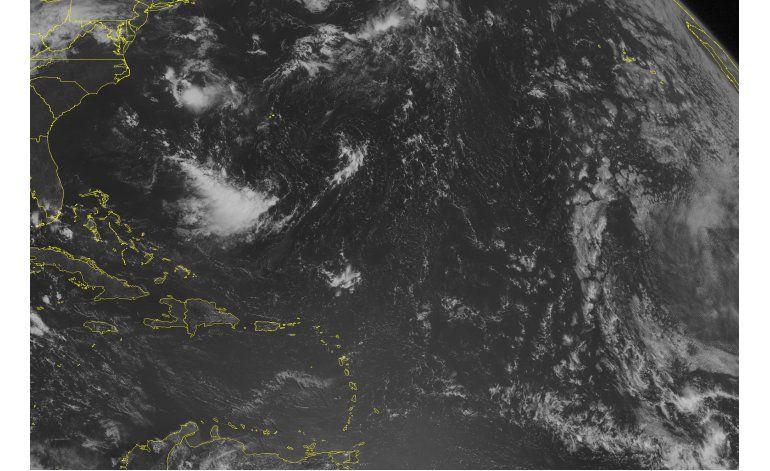 Jamaica en alerta al fortalecerse sistema de tormentas