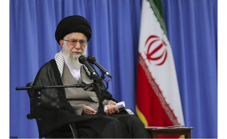 Ayatola dice que Irán no ve beneficio con el acuerdo nuclear