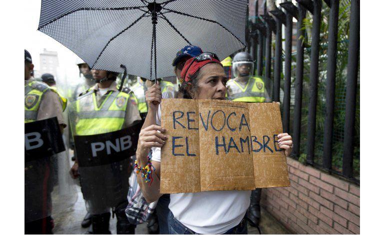 Oposición venezolana supera primera fase para revocatorio