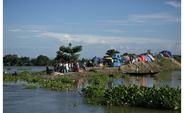 Inundaciones en India causan más de 90 muertos