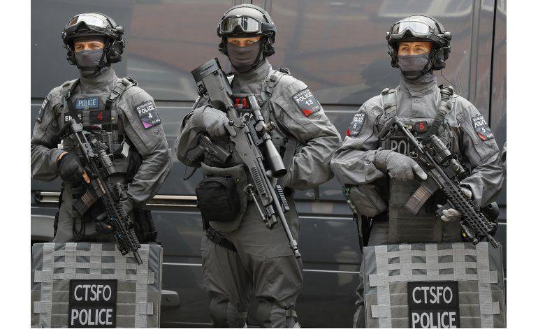 Policía de Londres aumenta sus agentes con armas de fuego