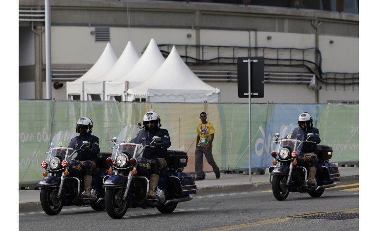 Policía de Río detiene a 10 en redada preolímpica