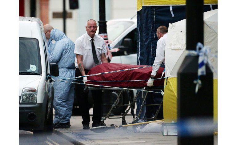 Muere una estadounidense, 5 heridos en agresión en Londres