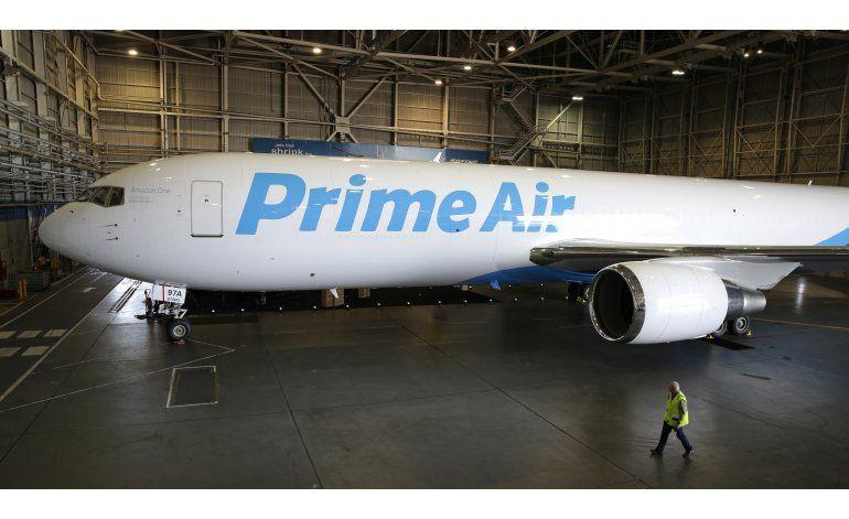 Amazon presenta avión de mercancías para red de reparto