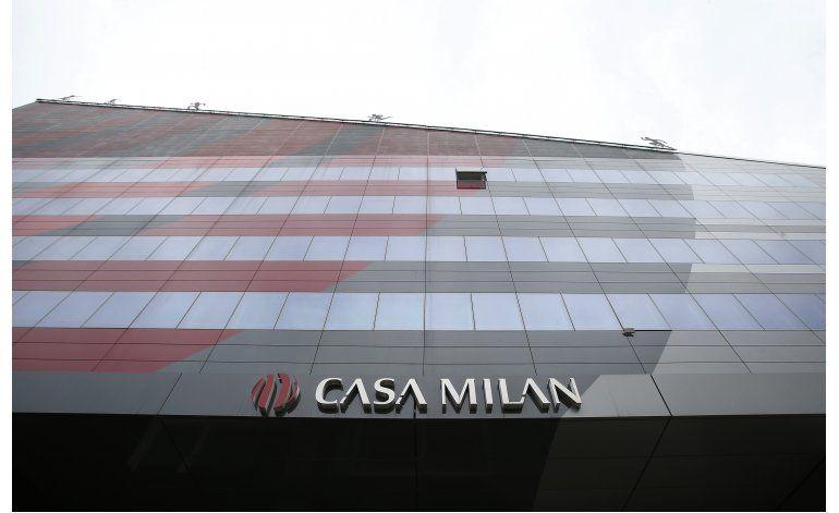 Berlusconi acuerda vender totalidad de acciones del Milan
