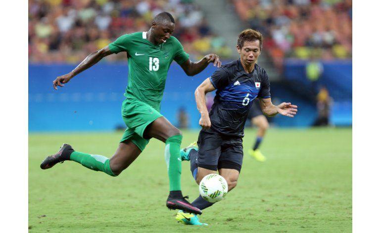 Del avión a la cancha, Nigeria debuta en Río con triunfo