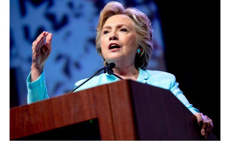 Clinton: Atracción a Trump radica en dificultades económicas