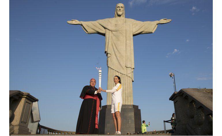 LO ULTIMO: Se enciende pebetero en Río 2016