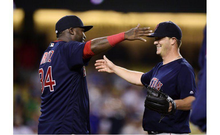 Wright lanza juego de 3 hits, Boston blanquea a Dodgers 9-0