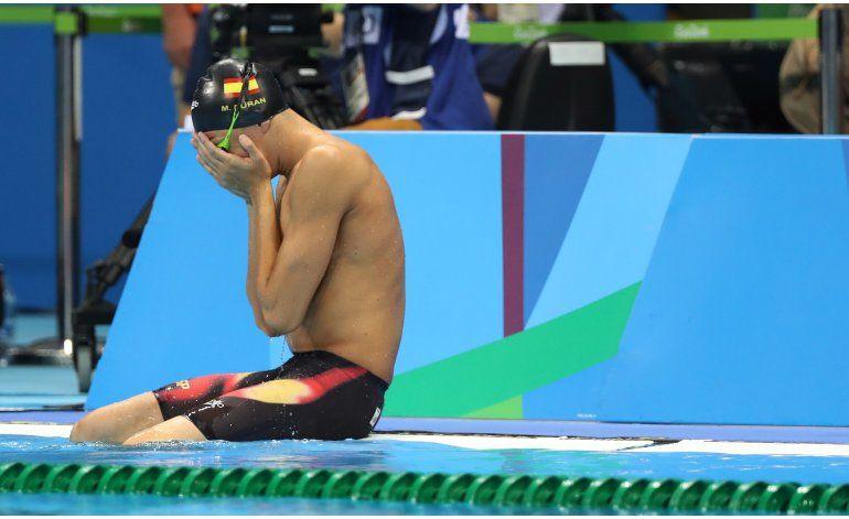 Nadador español se desespera al creer que fue descalificado