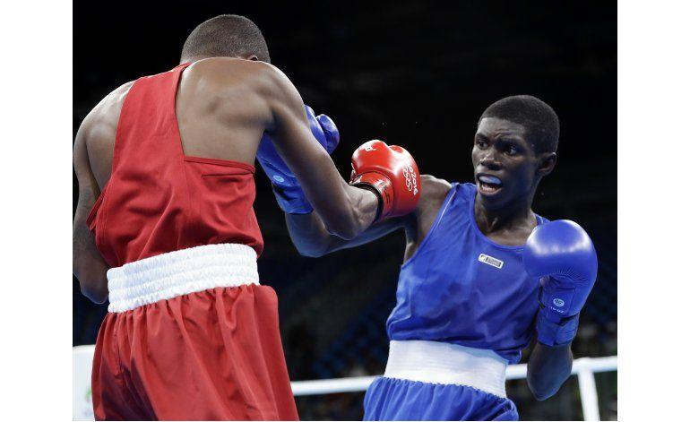 Colombiano Martínez, de zona hostil a 2da ronda en boxeo