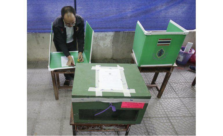 Tailandia vota sobre controvertida Constitución