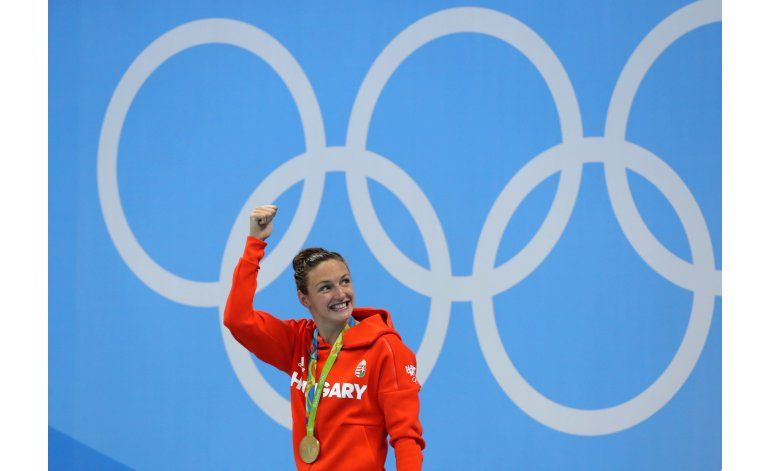 Caen tres récords mundiales en arranque de natación olímpica