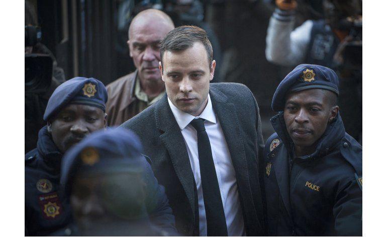 Pistorius, atendido de lesiones en hospital; vuelve al penal