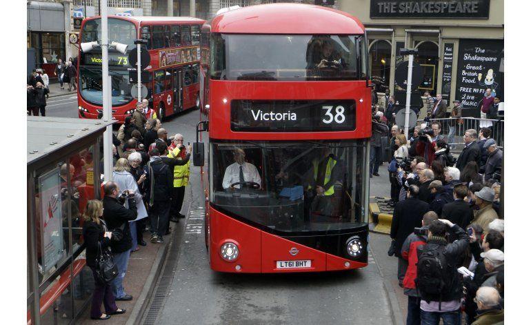 Autobuses rojos de Londres alertarán de la calidad del aire