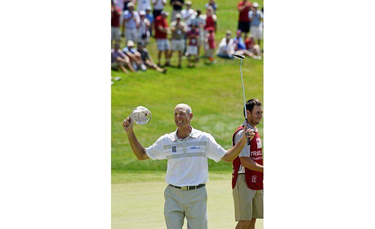 Jim Furyk impone récord en la PGA con recorrido de 58 golpes