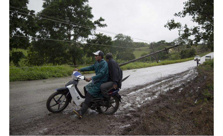 México: 39 muertos por huracán Earl; se forma Javier