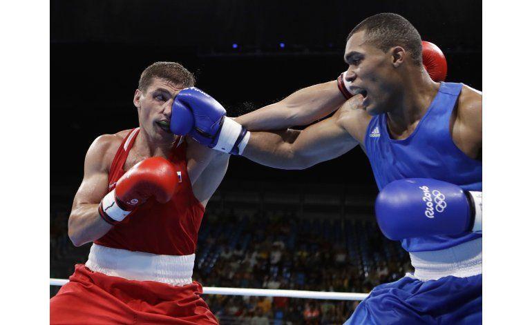 Venezolano Ramírez gana cerrada pelea en el boxeo olímpico