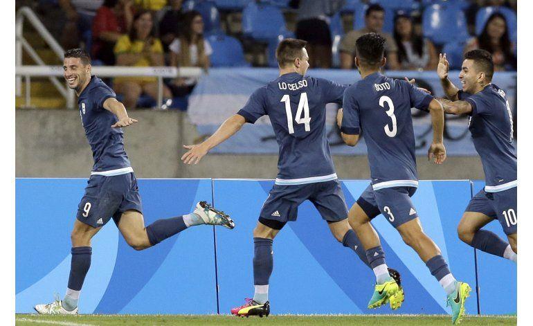 Correa decide y Argentina tumba a Argelia en fútbol olímpico