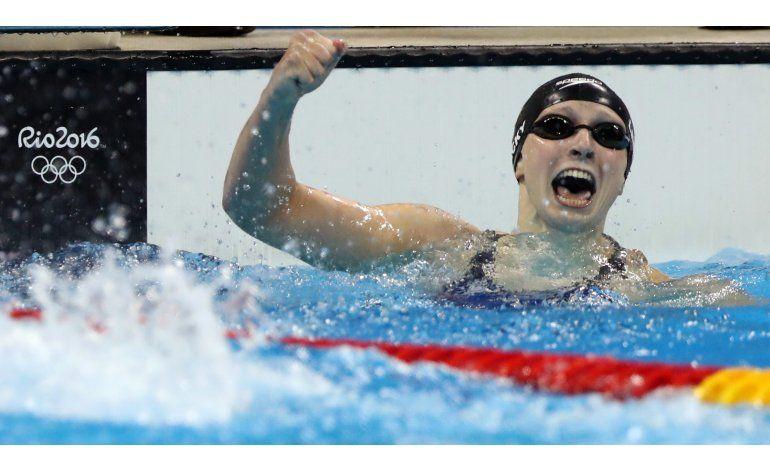 Ledecki gana oro con récord mundial en los 400 libre