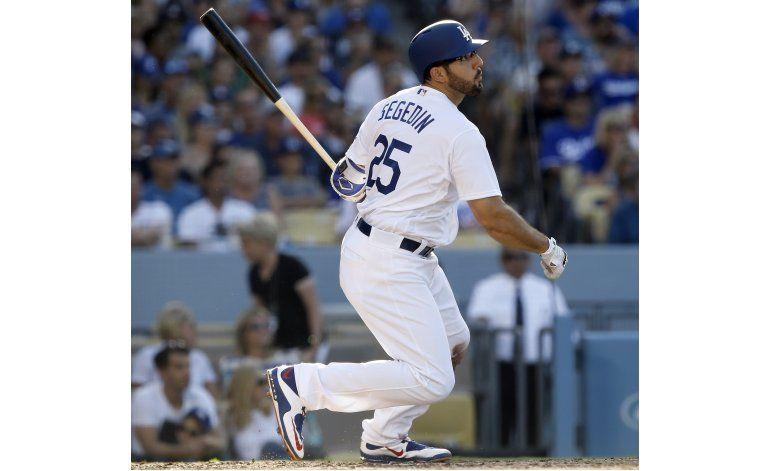 Adrián González batea su jonrón 300, Dodgers vencen a Boston