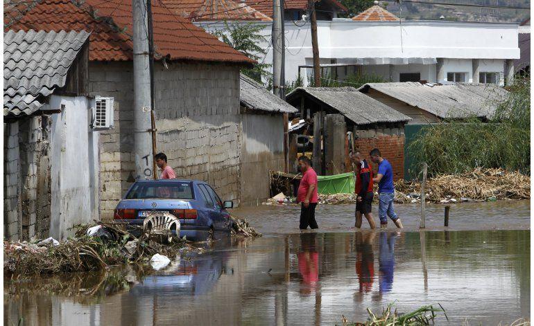 Macedonia llora a los 21 muertos en tormenta, inundaciones
