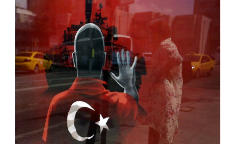 Turquía detiene a 10 extranjeros por lazos con Gulen